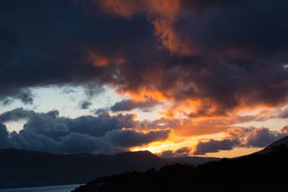 Wolken und Sonne am Abend