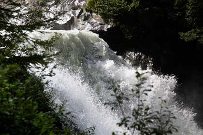 Brausender Wasserfall